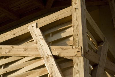 The Camphill area is in the center of the village in two original farms. One of them is a listed historical building. Therefore, traditional elements are used for additional constructions. Details of traditional carpentry joints were also used on the newly designed balcony.